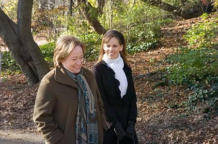 Kathy Bates ja Hilary Swank