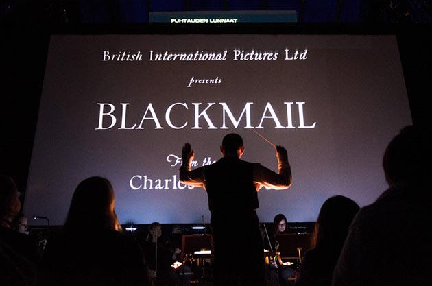 Blackmailin näytös on alkamaisillaan. Kuva: Santeri Happonen