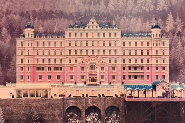 Hääkakkua muistuttava Grand Budapest Hotel
