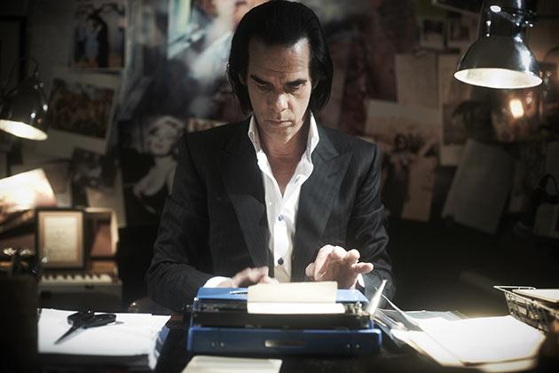 Nick Cave näyttelee itseään.