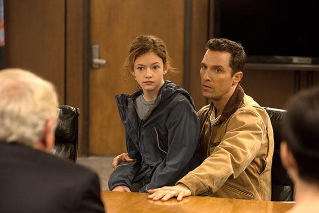 Matthew McConaghey ja MacKenzie Foy