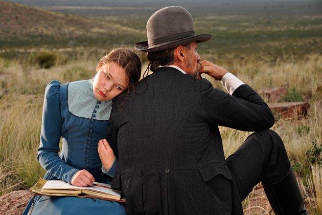 Viggo Mortensen ja Viilbjørk Malling Agger elokuvassa Jauja.