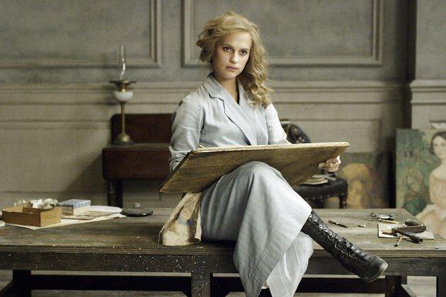 Alicia Vikander elokuvassa Tanskalainen tyttö