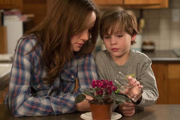 Brie Larson ja Jacob Tremblay elokuvassa Room