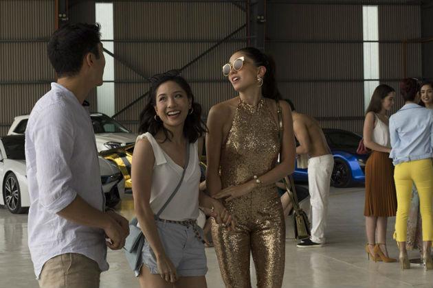 Henry Golding, Constance Wu ja Sonoya Mizuno