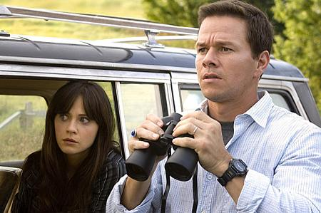 Zooey Deschanel ja Mark Wahlberg.