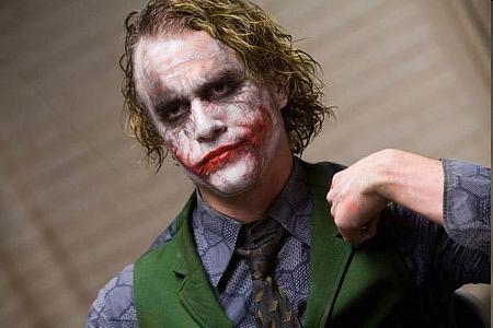 Yön ritari (Heath Ledger)