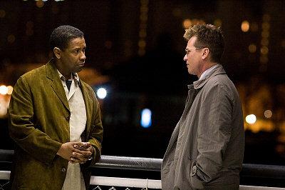 Denzel Washington ja Val Kilmer punovat taktiikkaa
