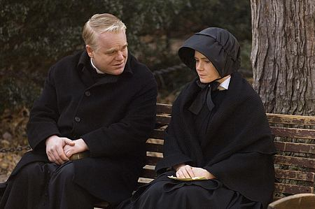 Philip Seymour Hoffman ja Amy Adams.
