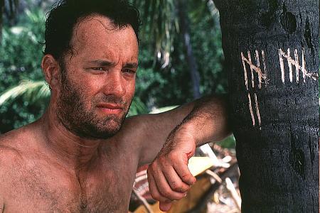 Tom Hanks laskee päiviä saarella...