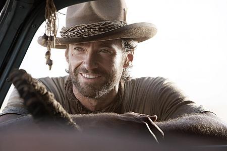 Hugh Jackman hymyilee