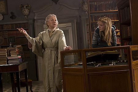 Helen Mirren ja Eliza Hope Bennett