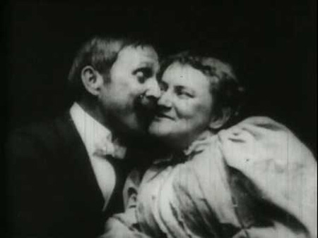 Kuva Thomas Edisonin elokuvasta The Kiss (1896)
