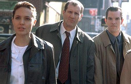 Angelina Jolie, Ed O'Neill ja Mike McGlone