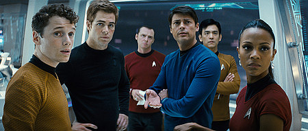 Chekov (Anton Yelchin), James T. Kirk (Chris Pine), Scotty (Simon Pegg), Bones (Karl Urban), Sulu (John Cho) ja Uhura (Zoë Saldana)