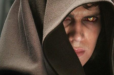 Anakin lipsuu jo Pimeän puolelle