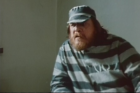 Leo Lastumäki esittää arvatenkin vankikarkuria