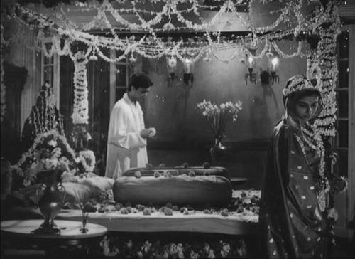 Soumitra Chatterjee ja Sharmila Tagore (Apur sansar).