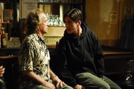 Psykiatri ja potilas. Ben Kingsley ja Josh Peck.