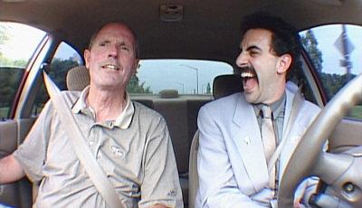 Borat opettelee ajamaan autoa
