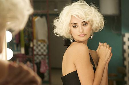 Penélope Cruz blondina