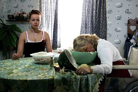 Samantha Morton ja Teri Garr.