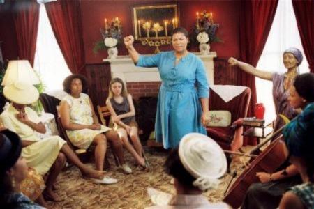 August ja voimakkaiden naisten tarina