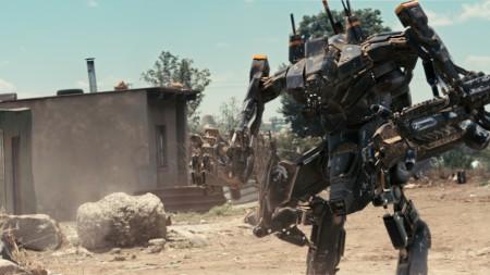 Jättiroboteilta ei vältytä nytkään
