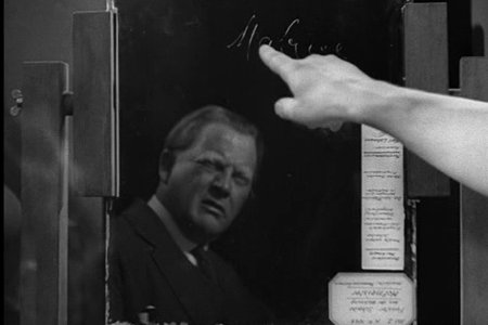 M niin kuin Mabuse! Kuvassa rikoskomisario Lohmann (Otto Wernicke)