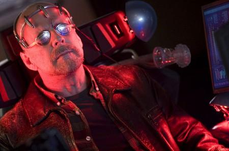 Bruce ohjastaa robottiaan