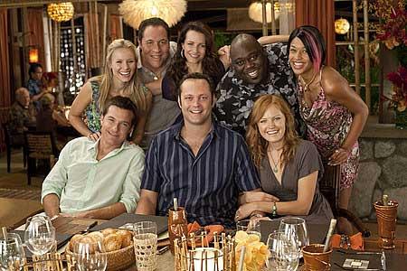 Vasemmalta ylhäältä: Kristen Bell, Jon Favreau, Kristin Davis, Faizon Love, Kali Hawk, Malin Akerman, Vince Vaughn ja Jason Bateman