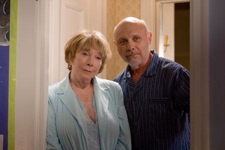 Shirley MacLaine ja Hector Elizondo