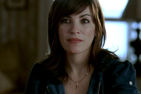 Joyce (Julianna Margulies)