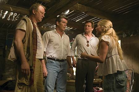 Stellan Skarsgård, Pierce Brosnan, Colin Firth ja Amanda Seyfried.