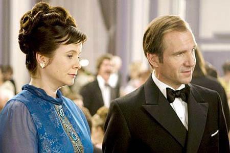 Emily Watson ja Ralph Fiennes