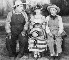Oliver Hardy, Dorothy Dwan ja Larry Semon