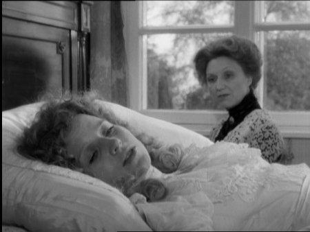 Hanna Schygulla (sängyllä)